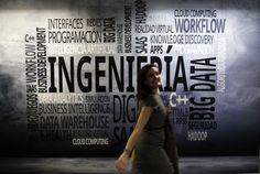 En la era de las redes sociales, el profesor no puede limitarse a transmitir conocimiento. Tiene que instruir sobre cómo encontrar, compartir o redistribuir la información