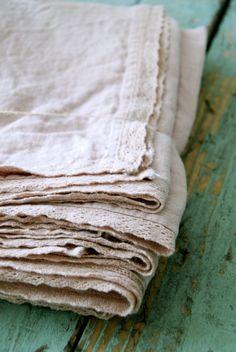 20 Views Of Vintage Linens - turnstylevogue.com