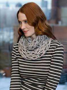 Quick Arm Knit Cowl - Free Knitting Pattern - Craftfoxes