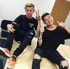 General picture of Marcus and Martinus - Photo 34 of 35 Bff Tattoos, I Go Crazy, Love U Forever, Actor Picture, Popular People, Video New, Fangirl, Twins, Singer