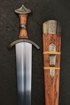 the Trofastverg by David DelaGardelle #swords #swordsmith www.cedarloreforge.com #handforged