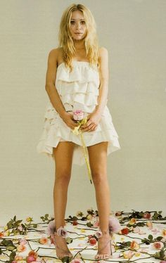 13 WEDDING DRESS IDEAS FROM THE OLSEN TWINS - Olsens Anonymous