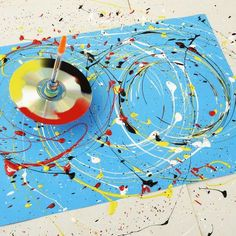 Art 499758889901782757 - Family how-to: make a paint-splattering spinning top – stuck for something to do? Learn how to make a spinning top that will spin and spin, splattering paint to create multiple masterpieces. Source by elantkowski Bubble Painting, Bubble Art, Balloon Painting, Yarn Painting, Painting Abstract, Abstract Art For Kids, Splatter Art, Splatter Paint Canvas, Diy And Crafts