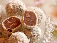 Spekulatius – Trüffel Speculoos – truffles, a nice recipe from the category Confiserie … Sweets Recipes, Cookie Recipes, Cupcakes, Homemade Chocolate, Cake Chocolate, Peanut Butter Cups, Homemade Cakes, Holiday Desserts, Confectionery