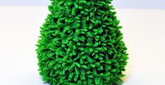 Today's post will be my last Christmas tree tutorial, and I think I saved the best for last. It's been fun putting together these tutorials ...