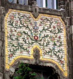 Iparművészeti Múzeum, részlet - Museum of Applied Arts (Budapest, Hungary) Capital City, Art Nouveau, Bohemian Rug, This Is Us, Architecture, Rugs, Pictures, Budapest Hungary, Museums