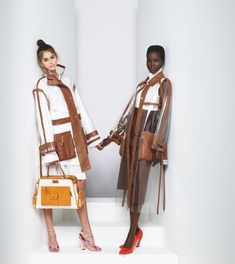 Explore the new Fendi Women's Spring/Summer 2019 Advertising Campaign shot by Karl Lagerfeld, featuring models Kaia Gerber, Adut Akech and Anok Yai. Fur Fashion, Fashion Photo, High Fashion, Autumn Fashion, Womens Fashion, Kaia Gerber, Corsets, Karl Lagerfeld Fendi, Fendi Eyewear
