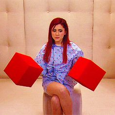 Ariana Grande Cat Valentine hit TV show victorious Ariana Grande Cat, Ariana Grande Fotos, Victorious Nickelodeon, Hollywood Arts, Afro, Victorious Cast, Cat Valentine Victorious, Sam And Cat, Big Sean