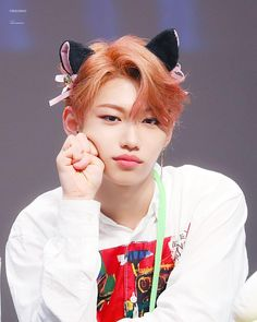 Find images and videos about kpop, stray kids and felix on We Heart It - the app to get lost in what you love. Felix Stray Kids, Jooheon, Lee Min Ho, 365days, Kid Memes, Funny Memes, Jiyong, Lee Know, Kpop Boy
