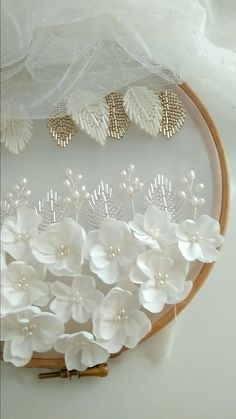 Bead Embroidery Tutorial, Hand Embroidery Patterns Flowers, Hand Embroidery Videos, Bead Embroidery Jewelry, Hand Embroidery Designs, Hand Work Embroidery, Couture Embroidery, Silk Ribbon Embroidery, Beaded Embroidery