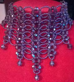 collana, collarino, girocollo in mezzo cristallo viola  e conteria