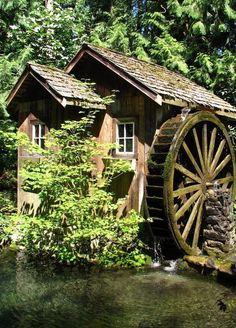 Grist Mill in Agassiz, British Columbia. Photo by techno chic Old Grist Mill, Water Powers, Water Mill, Old Barns, Le Moulin, Old Buildings, Covered Bridges, Water Features, Country Living