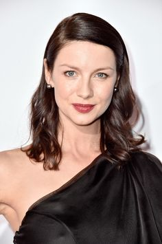 Caitriona Balfe at the 2015 People's Choice Awards. http://beautyeditor.ca/2015/01/11/peoples-choice-awards-2015