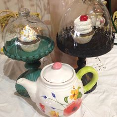 Snack time. How adorable are these shabby chic treat displays? #theclutterhouse #localaz #dessert #homedecor