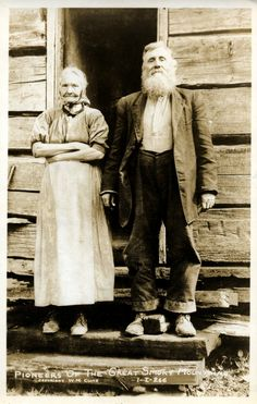 "Pioneers of the Great Smoky Mountains, ca. Photo by W. These were a hardy, resilient people, and everyone played his or her role on the farm! Hit ""Share"" to pass on the history from >> Old Photo Archive Antique Photos, Vintage Pictures, Vintage Photographs, Old Pictures, Vintage Images, Old Photos, Old West, Cowgirls, Lds"