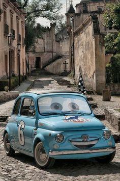 "Fiat 500 Abarth customized as ""Luigi"" of the computer-animated film Cars Bugatti, Lamborghini, Ferrari, Fiat Cinquecento, Fiat Abarth, Vespa, Cars Vintage, Fiat Cars, Cabriolet"