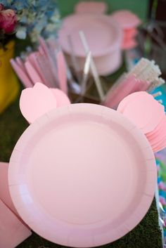 Madeline's Peppa Pig Birthday Party Peppa Pig birthday party - Click through to see more on Somethin Farm Animal Birthday, Farm Birthday, 3rd Birthday Parties, Birthday Party Decorations, Birthday Kids, Pig Decorations, Third Birthday, Farm Animal Party, Fiestas Peppa Pig