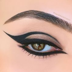Tarteist Clay Paint Liner - Beauty Point Of View Edgy Eye Makeup, Punk Makeup, Makeup Eye Looks, Grunge Makeup, Gothic Makeup, Eye Makeup Art, No Eyeliner Makeup, Fantasy Makeup, Pretty Makeup