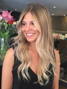 light brown hair color ideas honey summer light brown hair with blonde highlights and lowlights light brown hair ideas Hair Color Balayage, Ombre Hair, Babylights Blonde, Spring Hairstyles, Pretty Hairstyles, Blonde Hair Looks, Light Brown Hair, Dark Brown, Purple Hair