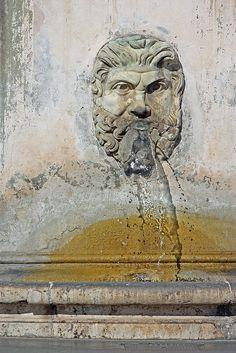 fuente de agua... masculina