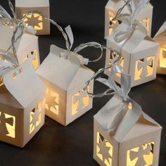 1 million+ Stunning Free Images to Use Anywhere Christmas Paper Crafts, Christmas Projects, Christmas Ornaments, Diy And Crafts, Crafts For Kids, Natal Diy, Creative Box, Paper Crafts Origami, Diy Gift Box