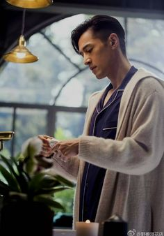 胡歌_Hugh Hu _ Chinese Actor 2016