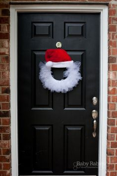 santa hat tulle wreath craft: #Christmas #Holidays @Amy Hall