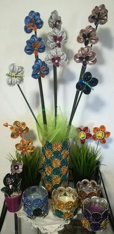 Flores de Nespresso Cup Crafts, Diy And Crafts, Nespresso Machine, Coffee Pods, Diy Hacks, Recycling, Projects To Try, Candles, Homemade