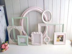 How to use picture frames in interior Design? Pink Bedroom Design, Pink Bedroom Decor, Pink Bedroom For Girls, Master Bedroom Interior, Pink Bedrooms, Gold Bedroom, Bedroom Ideas, Kids Bedroom, Nursery Decor