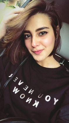 Pakistani Models, Pakistani Girl, Pakistani Actress, Iqra Aziz, Stylish Girls Photos, Girls Selfies, Cute Girl Face, Indian Beauty, Hair Cuts
