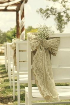 DIY Baby's Breathe, Burlap & Lace Wedding Ideas | Confetti Daydreams