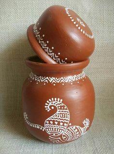 Afday : art for everyday Worli Painting, Bottle Painting, Ceramic Painting, Bottle Art, Bottle Crafts, Pottery Painting Designs, Pottery Designs, Paint Designs, Pottery Art