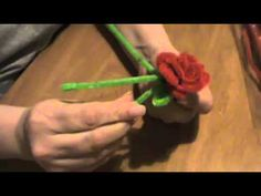 How to Make Pipe Cleaner Flowers. Pipe cleaner flowers provide all the beauty and color of real flowers without the pesky bees. They are as simple to make as they are cute. They look adorable in old, glass soda bottles and fit perfectly on. Simple Flowers, Real Flowers, Tree Crafts, Flower Crafts, Pipe Cleaner Projects, How To Pipe Roses, Pipe Cleaner Flowers, Rose Video, Resin Tutorial