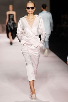 Max Mara Spring 2008 Ready-to-Wear Fashion Show - Natasha Poly