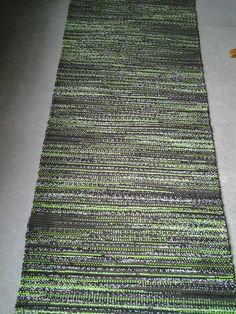 talvi/kevät 2014 - Vantaan Kutojat ry Recycled Fabric, Indoor Rugs, Woven Rug, Weaving, Rag Rugs, Flooring, Carpets, Interiors, Diy