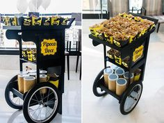 This mobile cart has lots of possibilities! Food Trucks, Food Cart Design, Food Truck Design, Food Box, Coffee Carts, Coffee Shop, Mobile Food Cart, Bike Food, Food Kiosk