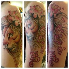 ogrejoe:lion-lion-color-flowers-feminine