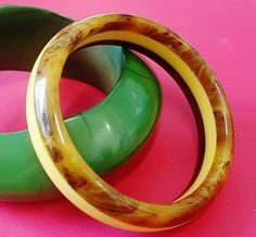 Vintage 40's LAMINATED BAKELITE  BANGLE in Three Colour Stripes - Dark Caramel Marble Swirl, Butterscotch Marble Swirl and Banana Yellow Plastic Jewellery, Beautiful Color Combinations, Color Stripes, Caramel, Vintage Items, Cuffs, Rings For Men, Bangles, Banana