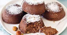 Le ricottine al forno con nocciole e cioccolato amaro sono un dolce al cucchiaio perfetto da gustare in ogni occasione. Scopri come prepararle!