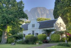 La Dauphine, Franschhoek #SouthAfrica #Winelands Dutch House, My House, Cape Dutch, Somerset West, Out Of Africa, Cape Town, The Places Youll Go, South Africa, Travel Inspiration