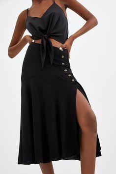FALDA BOTONES - Ver todo-FALDAS-TRF | ZARA España Zara Australia, Button Skirt, Black Midi Skirt, Zara United States, Zara Women, High Waisted Skirt, Style Inspiration, Beautiful, Online Shopping