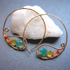 Items similar to Gold Filled Large Paisley Hoops wire wrapped with Emerald Green Chalcedony, Carnelian, Citrine and Red Coral - JAMMIN - Earrings on Etsy Wire Wrapped Earrings, Wire Earrings, Gemstone Earrings, Wire Jewelry, Jewelry Crafts, Beaded Jewelry, Handmade Jewelry, Jewellery Box, Tanishq Jewellery