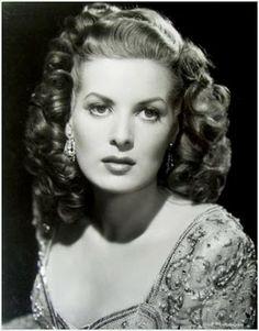 Maureen O'Hara.  Simply stunning.