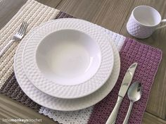 Decorate your table with free crochet placemat patterns