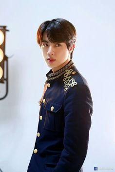 Find images and videos about kpop, bts and jin on We Heart It - the app to get lost in what you love. Jimin, Bts Jin, Seokjin, Foto Bts, Jikook, K Pop, Jin Kim, Bts Love Yourself, Worldwide Handsome