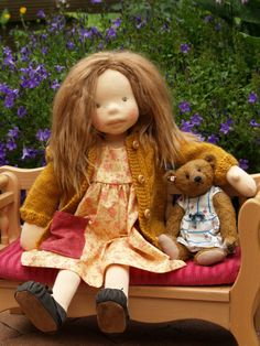 Natural fibre artist doll HERMIONE Photo Petra J.