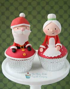 Mr and Mrs Claus Cupcakes