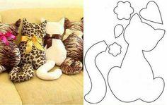 Cojines gato con estampados de leopardo.