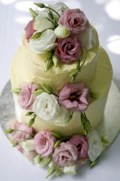 Divine vegan wedding cakes from SweetPea Baking Co. are made without eggs, milk and butter, while still getting rave reviews for taste.
