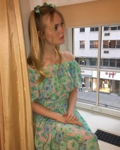 Picture of Elle Fanning Dakota And Elle Fanning, Red Carpet, Celebrity Style, Girl Outfits, Dress Up, Summer Dresses, Celebrities, Hair Styles, Pictures